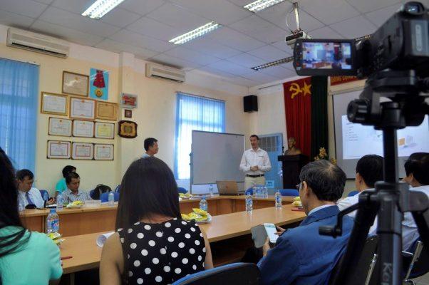 Quang cảnh buổi hội thảo tại hội trường B11 – Khoa Cơ Khí – ĐH BK TPHCM